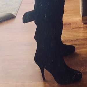 Bamboo black faux suede boots